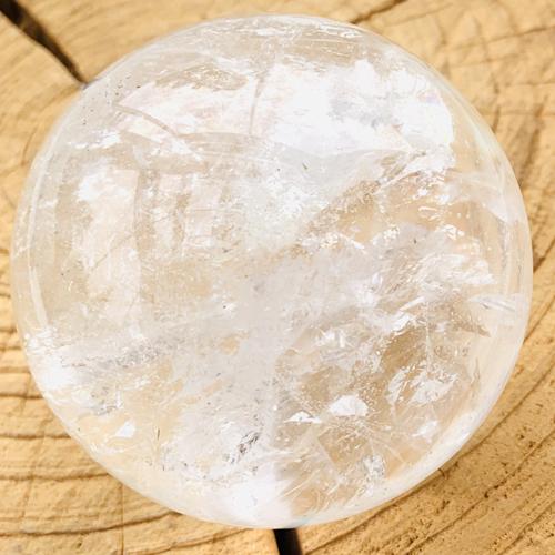 Bergkristal bol kwarts 77 mm