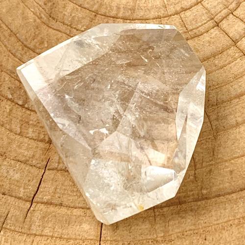 Bergkristal mooi facet geslepen klein