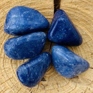 Blauwe Kwarts knuffelsteen trommelsteen