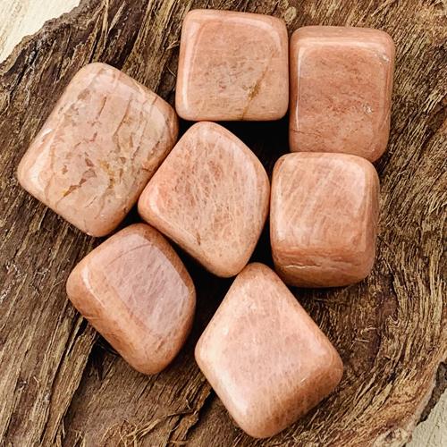 Roze Maansteen knuffelsteen trommelsteen